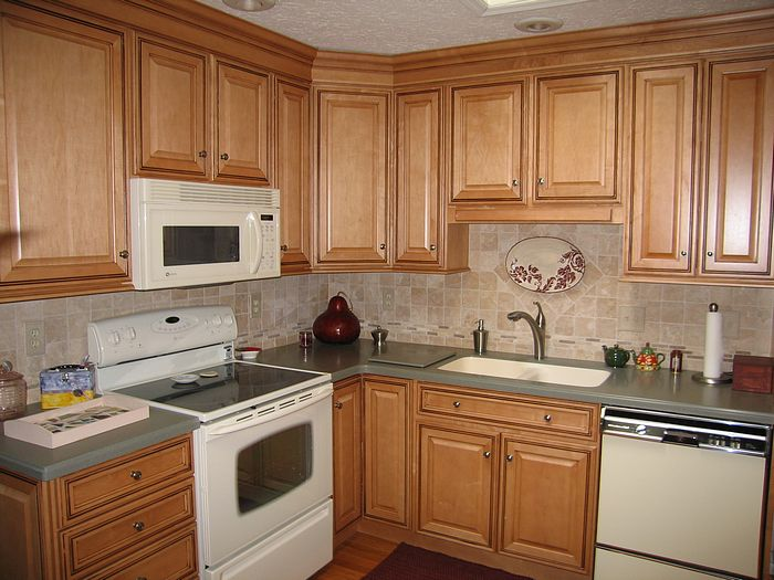 Rainbow Kitchen Cabinets with Kitchen Colors With Light Maple Cabinets