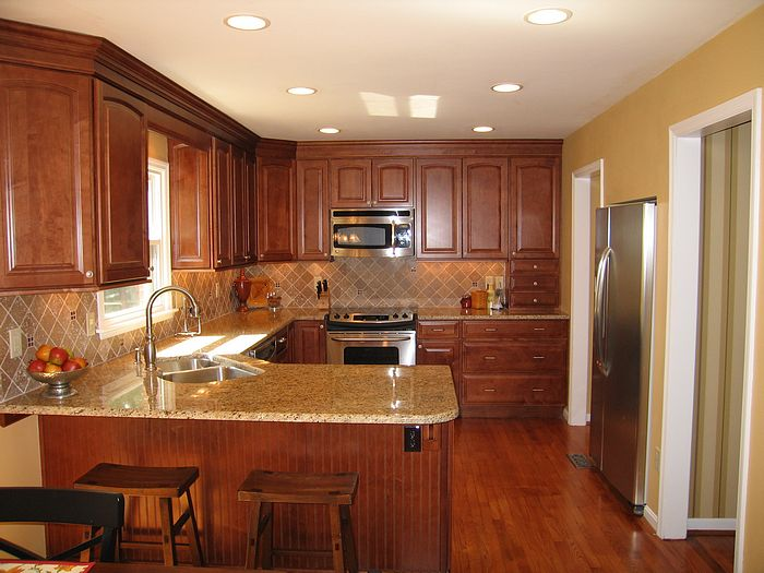 Pictures of new kitchen in sharonville ohio for Cincinnati kitchen cabinets